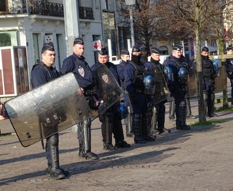 La manifestation était encadrée par un large système de surveillance policière