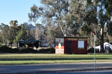 Ambassade aborigène, devant l'ancien Parlement à Canberra