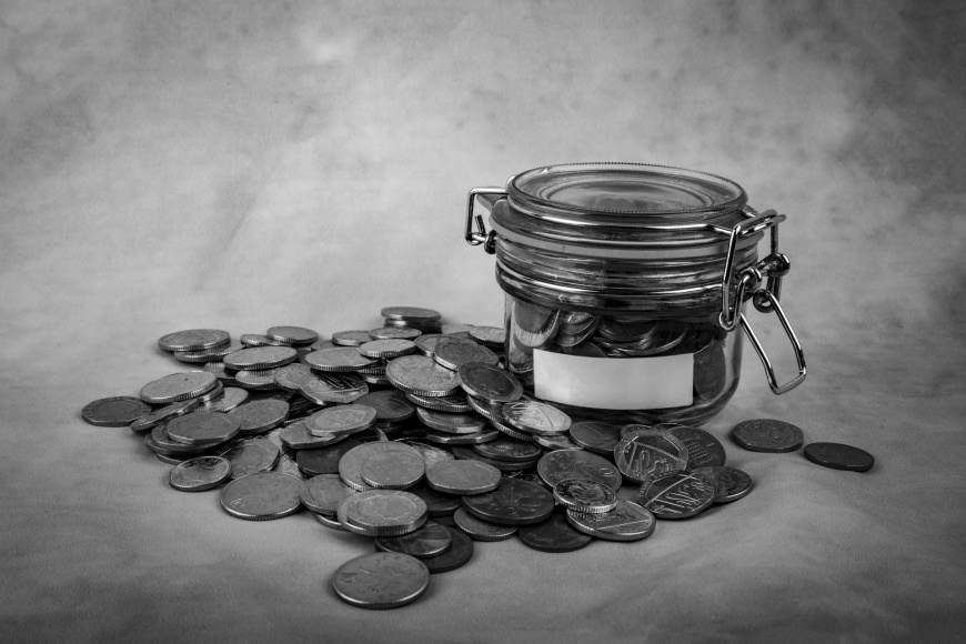 glass-tin-as-moneybox-1462466200ise