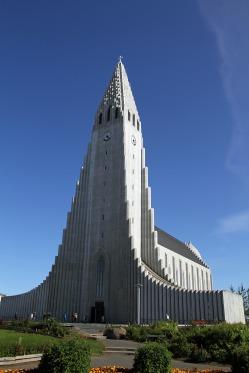 reykjavik-1103885_1920