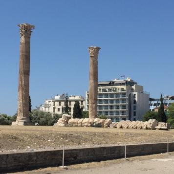 Une colonne tombée, au XVIIIème siècle